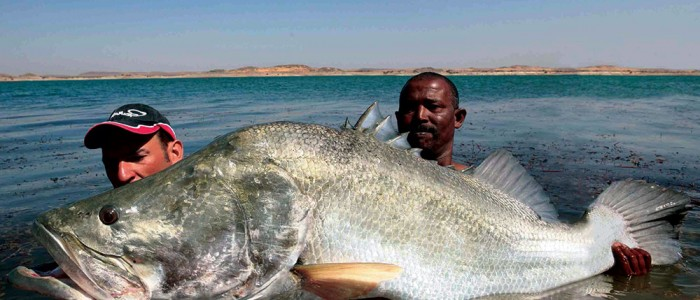 sport-fishing-in-uganda-700x300