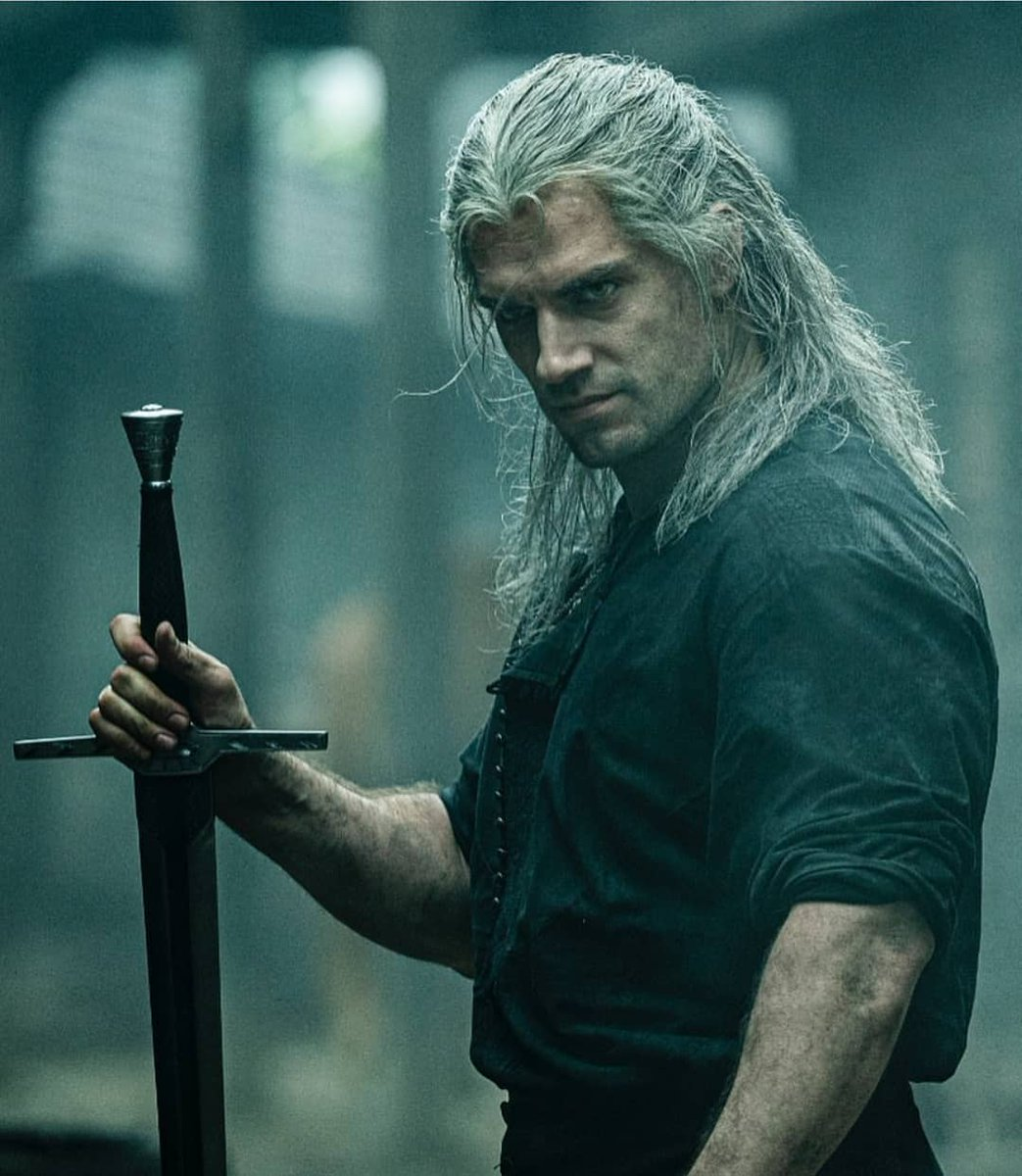 THE WITCHER | MAIN TRAILER | NETFLIX | HENRY CAVILL