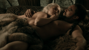 Emilia Clarke, Jason Momoa, Game of Thrones, Lord Snow, 01