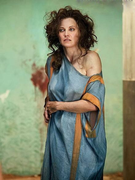 Lucy Lawless, Spartacus: Vengeance, 2012, 01