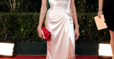 Angelina Jolie, Golden Globe Awards 2012