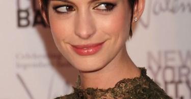 Anne Hathaway Short Hair