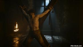 Alfie Allen Game of Thrones Mhysa
