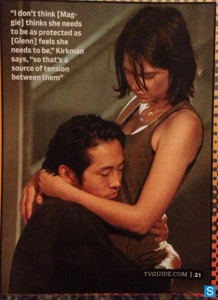Lauren Cohan Steven Yeun Hugging The Walking Dead Season 4