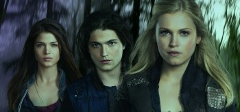 Marie Avgeropoulos Thomas McDonell Eliza Taylor The 100