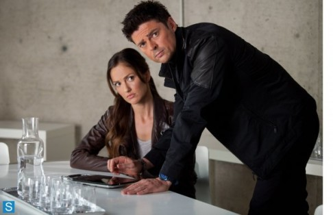Minka Kelly Karl Urban Almost Human Perception