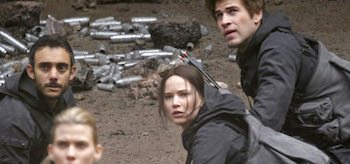 misty-ormiston-mahershala-ali-jennifer-lawrence-omid-abtahi-the-hunger-games-mockingjay-set-01-350x164