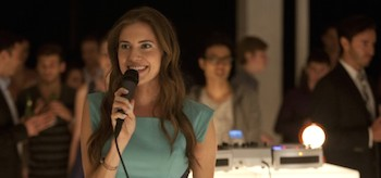 Allison Williams SInging Girls