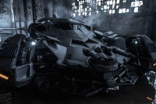 Batman V Superman Dawn of justoce Batmobile