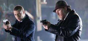 Ben Mckenzie Donal Logue Gotham The Viper
