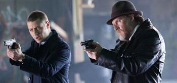 Ben Mckenzie Donal Logue Gotham The Viper