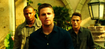 David Ramsey Stephen Amell Colton Raynes Arrow Corto Maltese