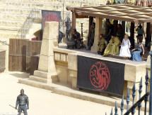 Nathalie Emmanuel Peter Dinklage Emilia Clarke Daznaks Pit Game of Thrones Season 5 set