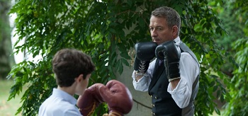 David Mazouz Sean Pertwee Gotham Harvey Dent 12 350x164