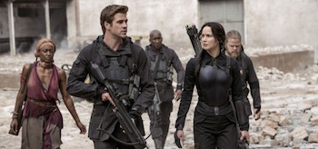 Jennifer Lawrence Liam Hemsworth The Hunger Games Mockingjay Part 1