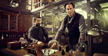 Steven Weber Billy Campbell Helix Season 2