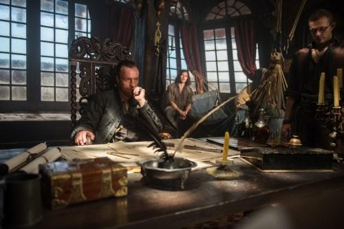 Toby Stephens Luke Arnold Black Sails Season 2 X