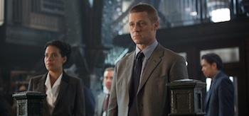 Ben McKenzie Gotham Penguin's Umbrella