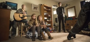 emily-kinney-kyla-kenedy-brighton-sharbino-david-morrissey-the-walking-dead-5.09-350x164