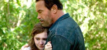 Arnold Schwarzenegger Abigail Breslin Maggie