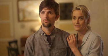 Adam Scott and Taylor Schilling in The Overnight