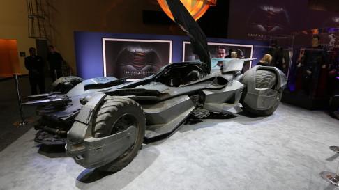 batman-v-superman-batmobile-17