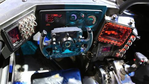 batman-v-superman-batmobile-controls-06