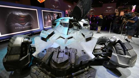 batman-v-superman-batmobile-front-01