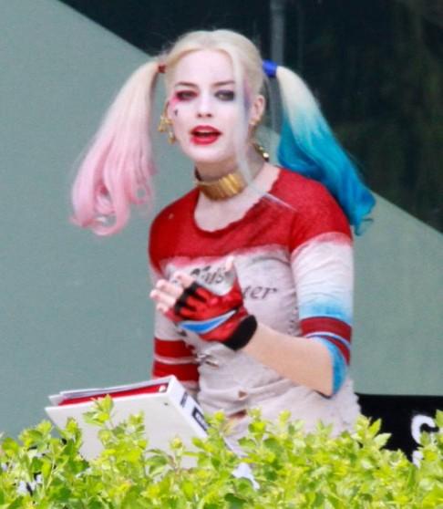 Margot Robbie Suicide Squad Harley Quinn BTS