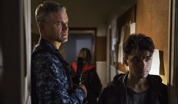 Eric Dane Adam Irigoyen Uneasy Lies the Head The Last Ship