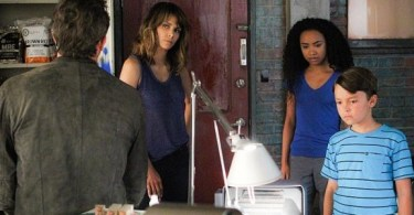 Jeffrey Dean Morgan Halle Berry Genneya Walton Pierce Gagnon Extant Don't Shoot the Messenger