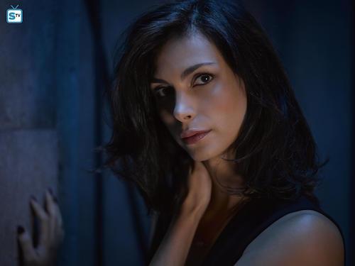 Morena Baccarin Gotham Season 2 Portrait