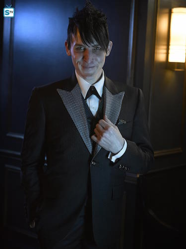 Robin Lord Taylor Gotham Season 2 Portrait