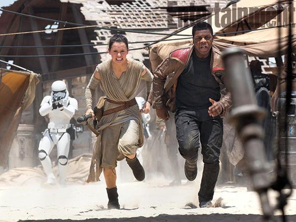 Star Wars The Force Awakens Daisy Ridley & John Boyega