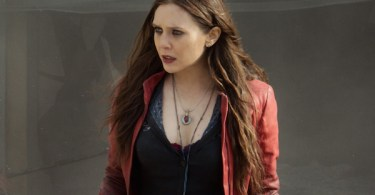 Elizabeth Olsen Avengers Age of Ultron Set