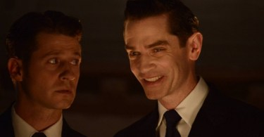 Ben Mckenzie James Frain Gotham Mommy's Little Monster 600x350