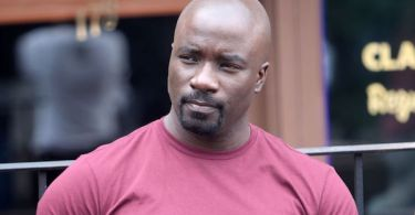 Mike Colter Luke Cage Set
