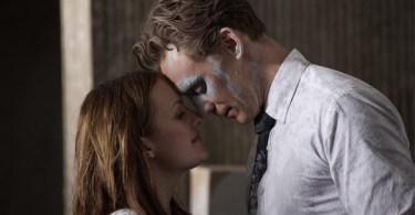 Sienna Miller Tom Hiddleston High-Rise 02