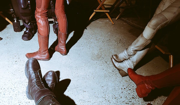 Stephen Amell Four-Way Crossover Tease Tweet