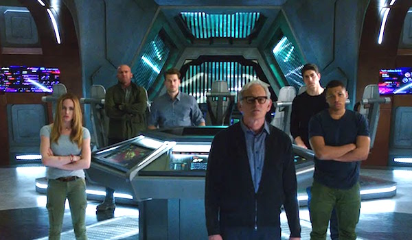 Nick Zano Caity Lotz Victor Garber Dominic Purcell Franz Drameh Legends of Tomorrow Season 2