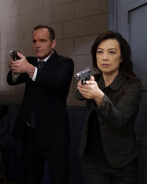 Clark Gregg Ming-Na Wen Agents of S.H.I.E.L.D. Lockup