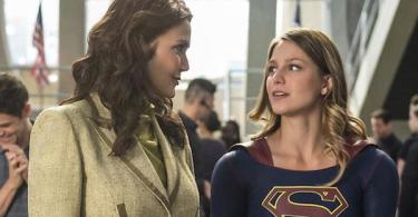 Lynda Carter Melissa Benoist Welcome to Earth Supergirl