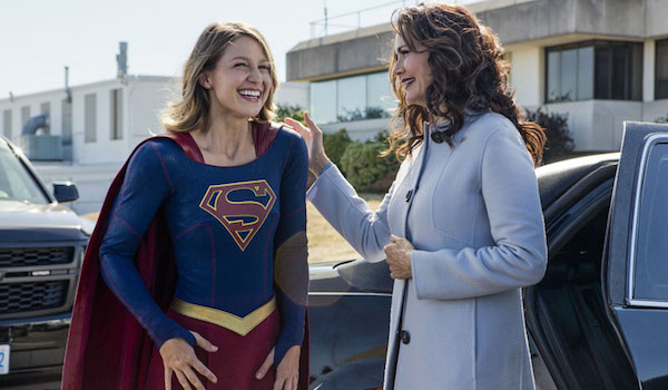 Melissa Benoist Lynda Carter Welcome To Earth Supergirl