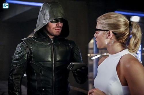 Stephen Amell Emily Bett Rickards The Recruits Arrow