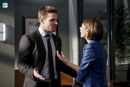 Stephen Amell Willa Holland The Recruits Arrow