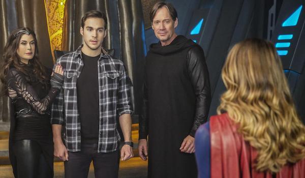 Teri Hatcher Chris Wood Kevin Sorbo Melissa Benoist Star-Crossed Supergirl