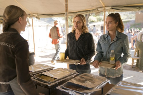 Kim Dickens Alicia Debnam-Carey Fear the Walking Dead: Season 3
