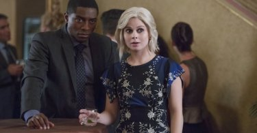 Tongayi Chirisa Rose McIver Twenty-Sided Die iZombie