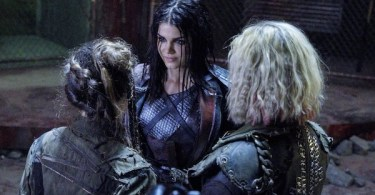 ElizaTaylor Marie Avgeropoulos Lola Flanery The 100 Exit Wounds