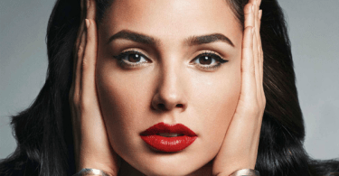Gal Gadot Lipstick